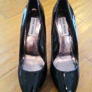 Steve Madden Shoes - Steve Madden Black Patent Leather Heels